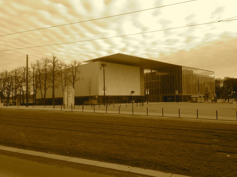 New Le Mans theatre complex