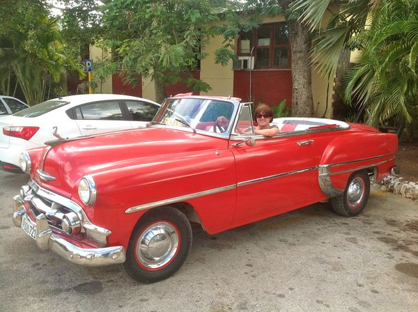 the magnificent old cars of cuba and the less magnificent ones of my youth salut. Black Bedroom Furniture Sets. Home Design Ideas