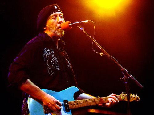 512px-Richard_Thompson_-_6-21-07_-_Photo_by_Anthony_Pepitone