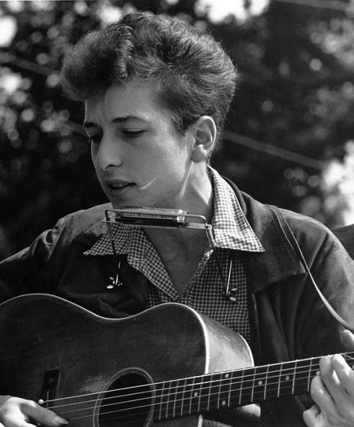 597px-Joan_Baez_Bob_Dylan_crop